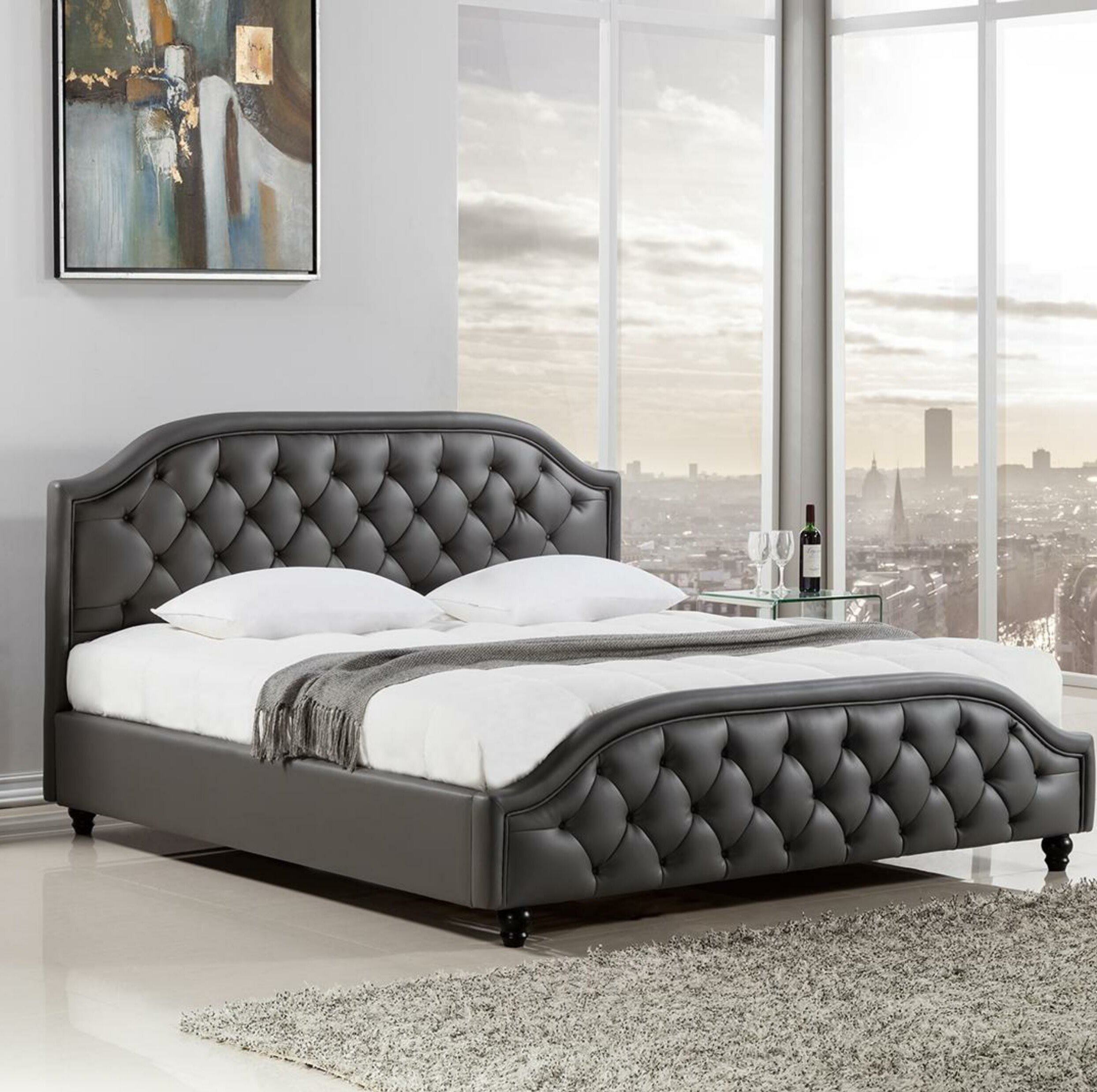 queen size beds photo